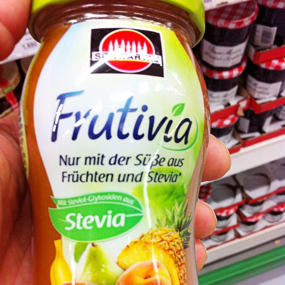 Produkte mit Stevia im Supermarkt.